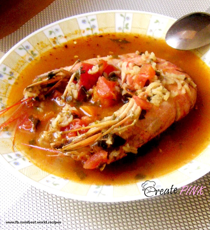 Clear fish soup with rice