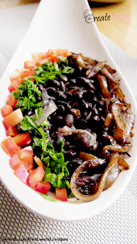 black beans salad with caramelized onion